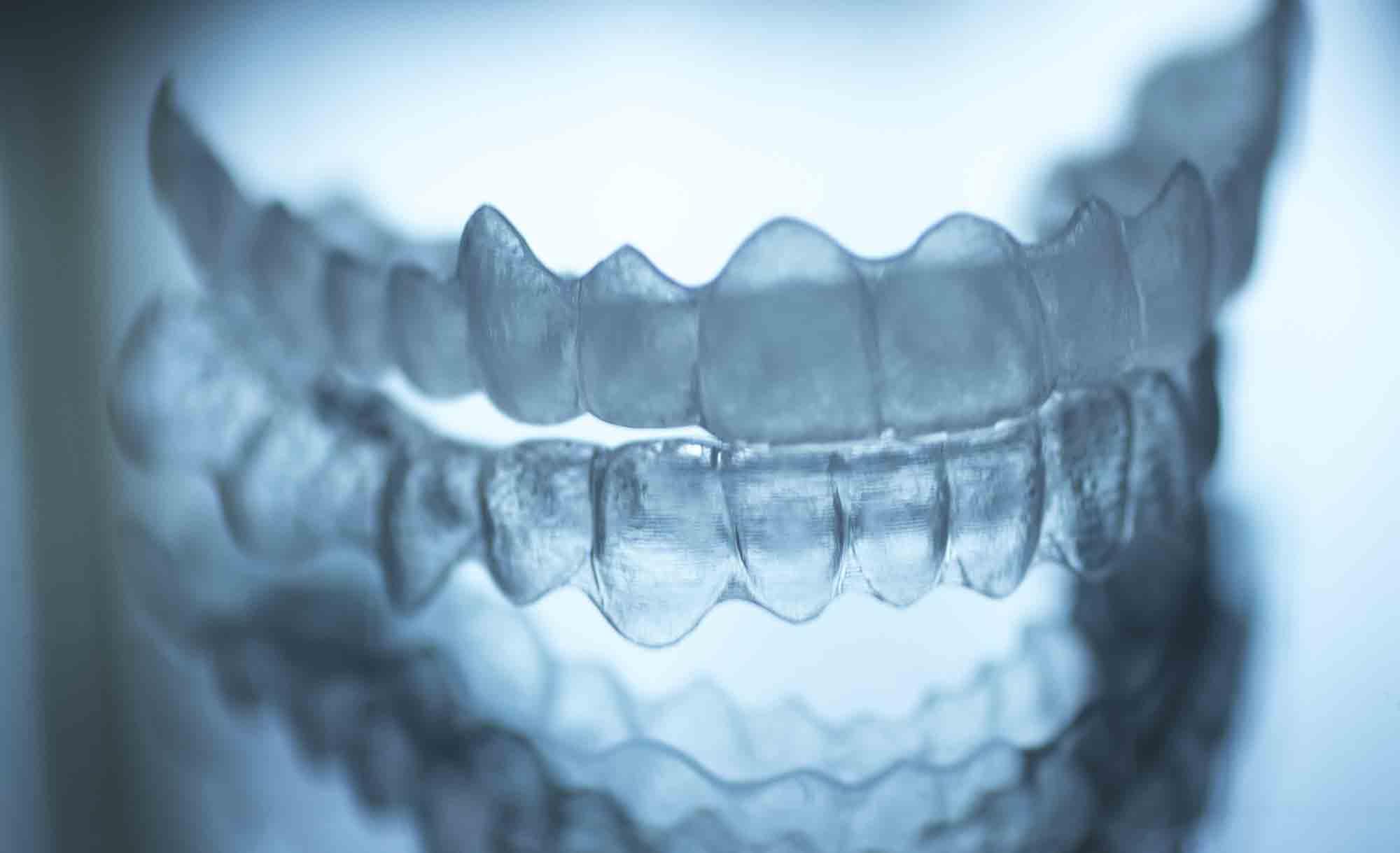 Alineador de ortodoncia invisible