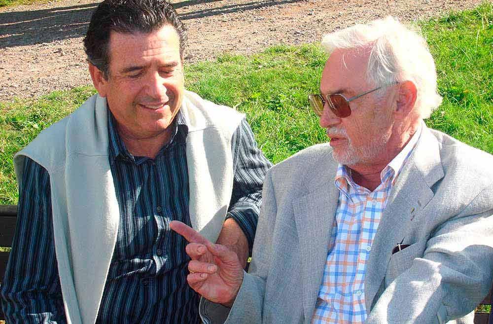 Foto del Profesor Profesor P. I. Brånemark con el Dr. Navarro Alonso