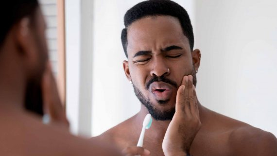 Cómo evitar la sensibilidad dental: causas y tratamiento